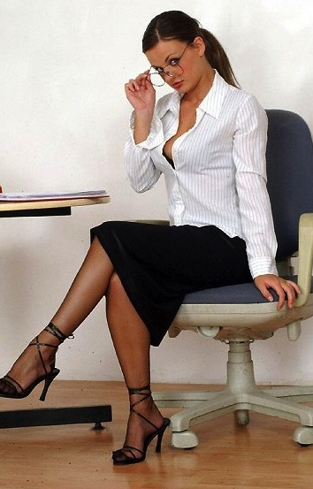 Outstanding babes at the office are giving many wet blowjobs № 574709 без смс