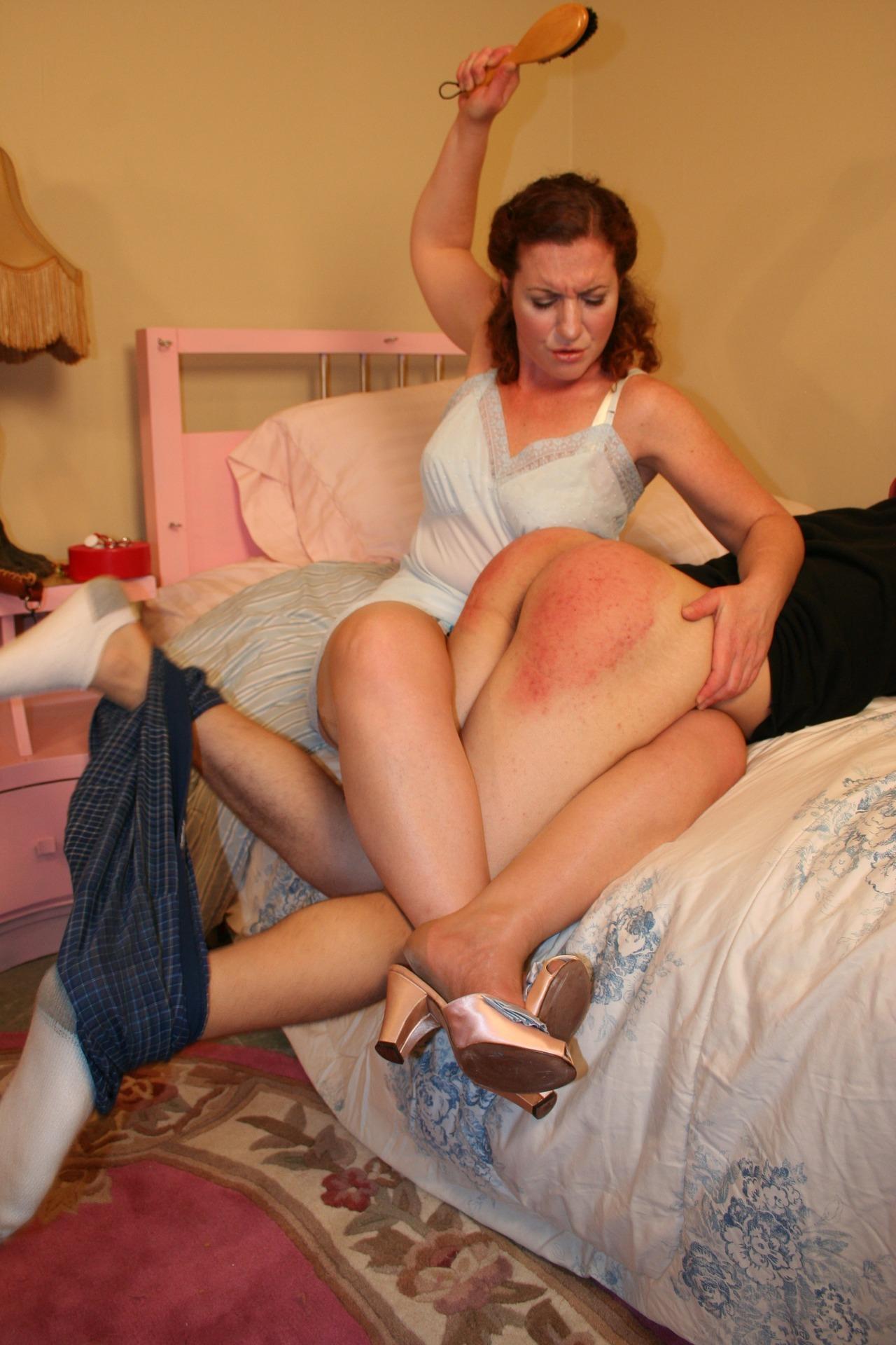 Girls spanking videos