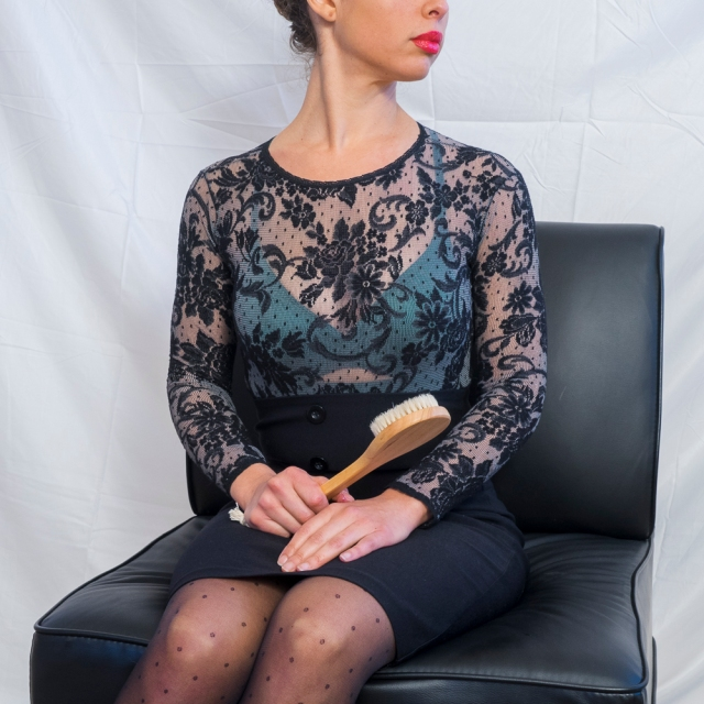 victoria-seated-hairbrush-3-cropped